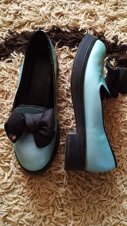 Продам пакет обуви