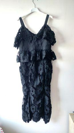 Boohoo czarna koronkowa sukienka midi opuszczone ramiona gipiura