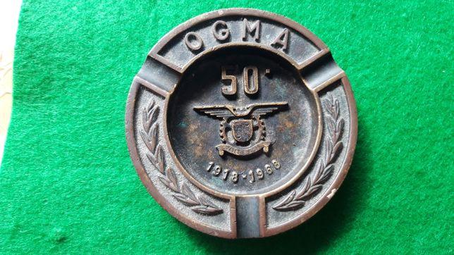 OGMA cinzeiro militar 50 aniversário