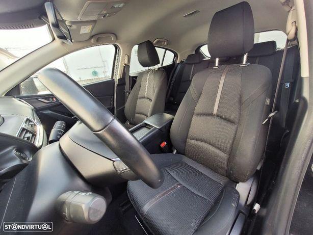 Interior completo Mazda 3 Evolve