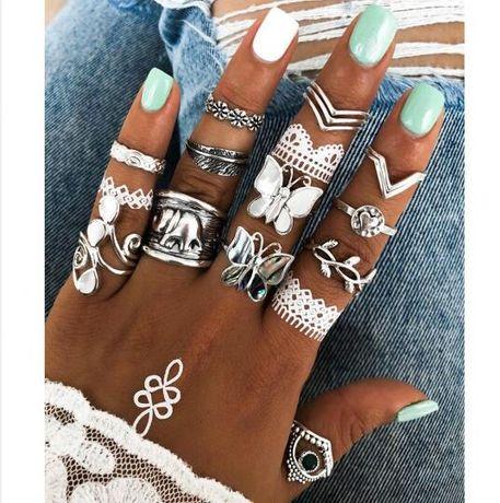 zestaw pierścionków 12szt vintage african style