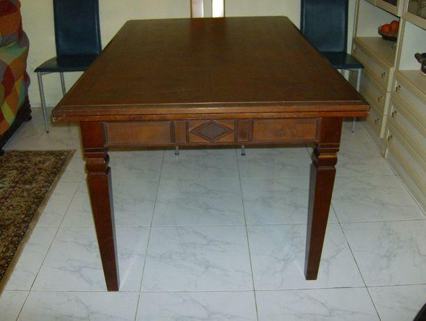 Mesa em madeira nobre, extensível - Novo preço