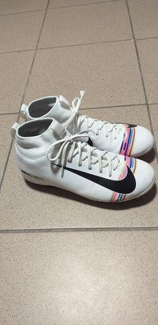 Korki piłkarskie białe nike ze skarpetą