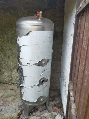 Vendo depósito de água  em inox