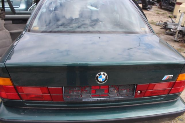 Klapa bagażnika BMW E34 rok 1990 kod l. islandgrun-metallic bez blendy