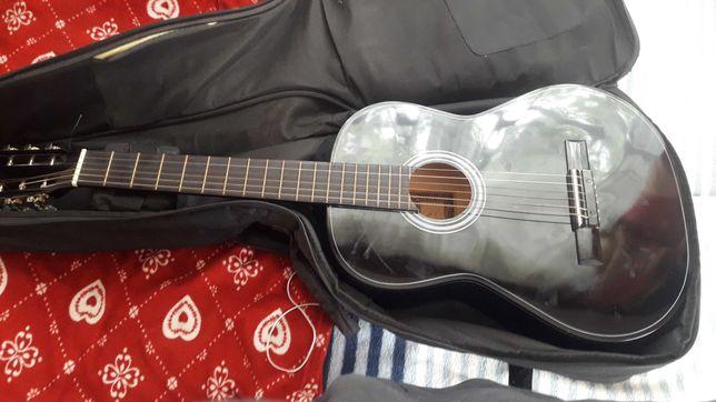 Sprzedam gitare klasyczną