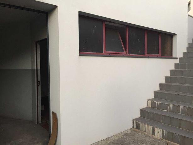 Arrecadação ampla com janelas p exterior