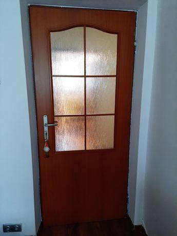 Sprzedam drzwi pokojowe.
