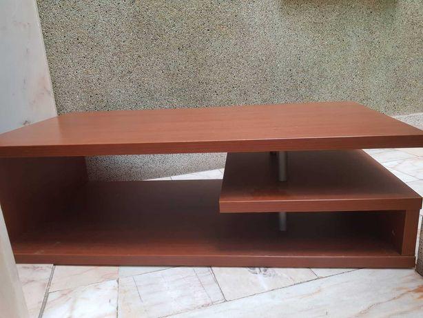 mesa de centro, comprimento 1m, 20cm, largura 60cm