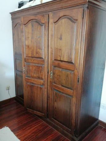 URGENTE (PARA LIBERTAR ESPAÇO) ! Mobília quarto madeira