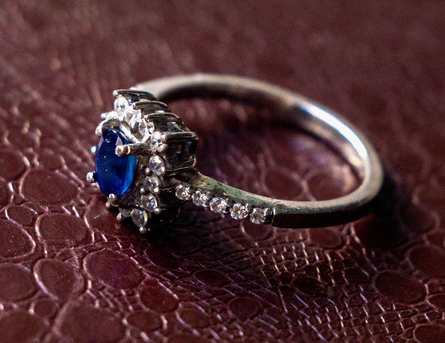 Восхитительное кольцо с сапфиром в серебре Донецк - изображение 1