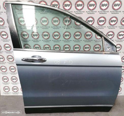 Porta Honda CRV de 2008 frente direita.