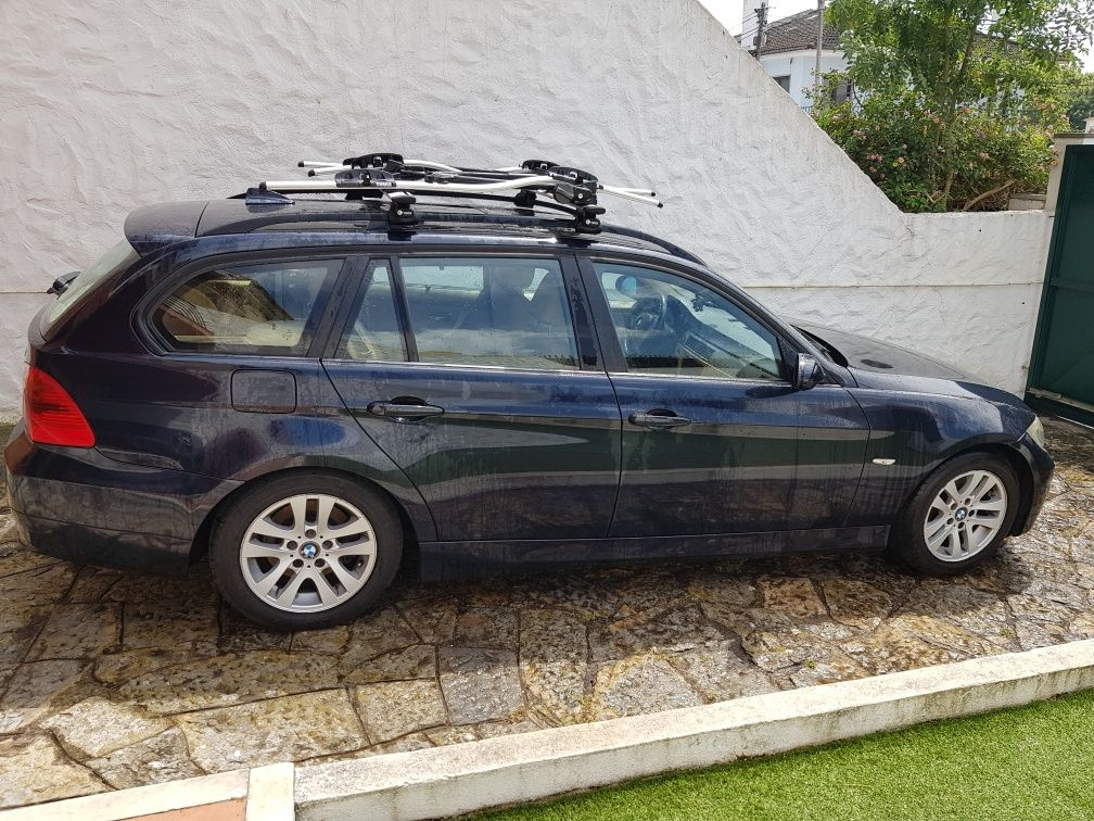 RESERVADA - BMW 320d Auto Touring