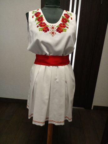 Плаття з ручною вишивкою