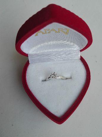 pierścionek białe złoto brylant 0,1 ct Apart rozmiar 9