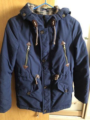 Продам осеннюю курточку на мальчика размер 128-140 см
