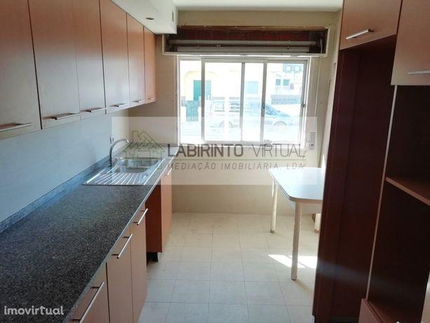 Apartamento T2, em excelente estado de conservação, na Se...