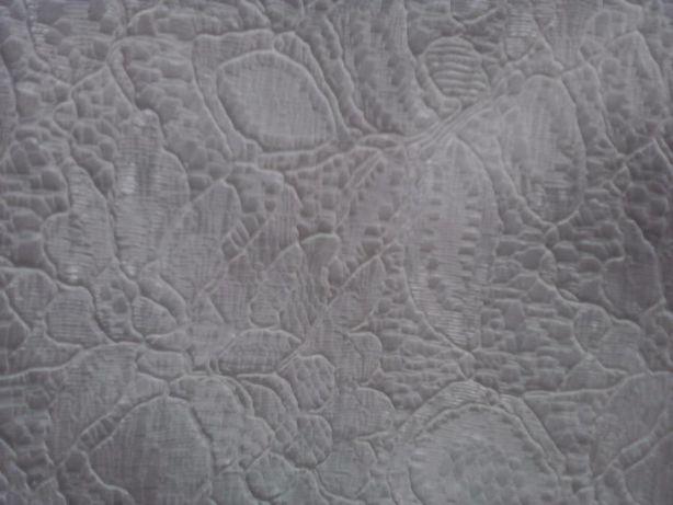 Отрез гипюровой ткани на шелковой подкладке