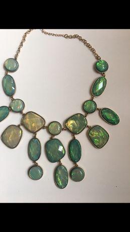NasZyjnik korale biżuteria h&m zielone kamienie pozłacany