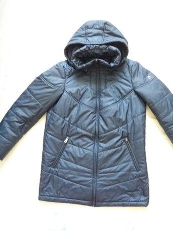 Продам срочно женскую турецкую куртку утепленная.