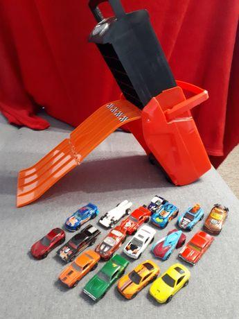 Hot wheels walizka skrzynka zjeżdżalnia plus auta resoraki