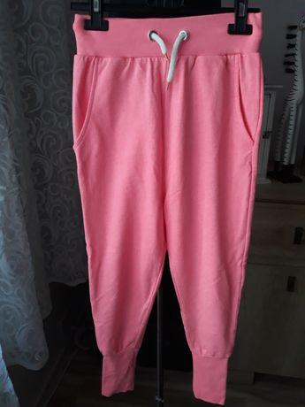 Spodnie dresowe 128cm