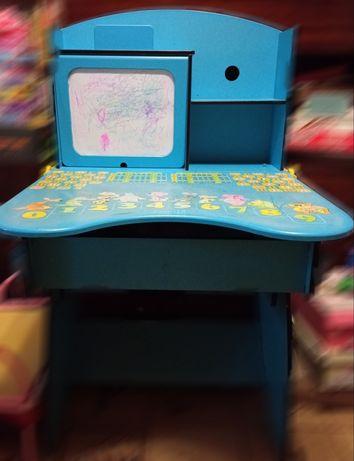 Детский столик для школьника