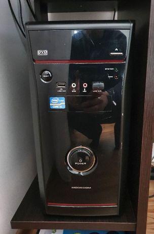 Komputer stacjonarny Intel Core i5, dysk SSD, monitor, zestaw