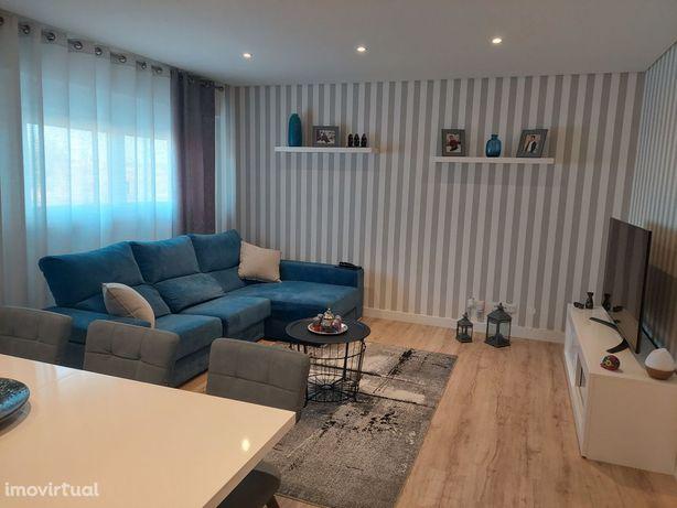 T2 Montijo Espetacular com suite e arrecadação como Novo