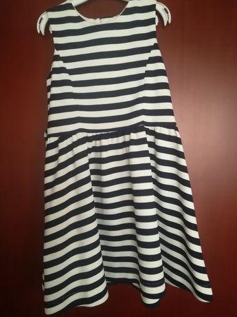 Sukienka w marynarskie paski