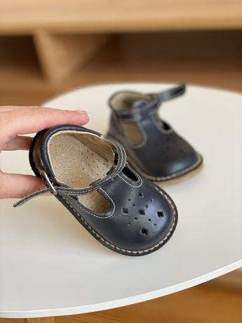 Туфлі, босоніжки дитячі шкіряні