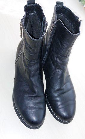 Продам кожаные женские сапожки 41 размер полномерные