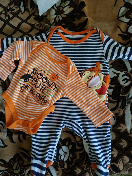 Продам бодик и человечка:) на мальчика 3-6 месяцев