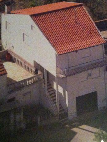 Casa e Terreno - São Romão - Serra da Estrela