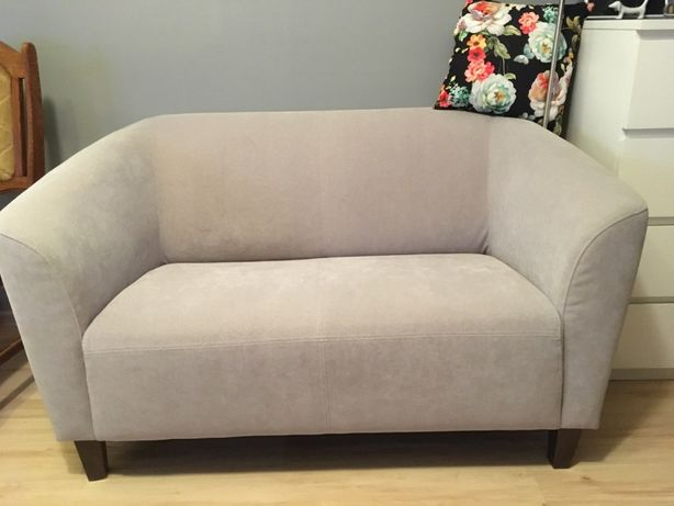 Plamoodporna sofa