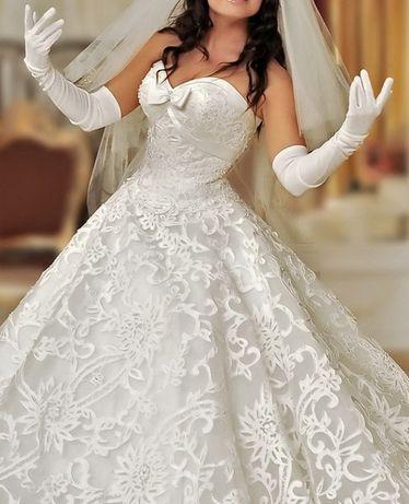 Свадебное платье Дафна ( М размер 44-46) USA 6-8 б/у