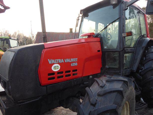Valmet Valtra 6250