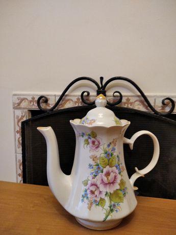 Продам чайник-кофейник б/у.