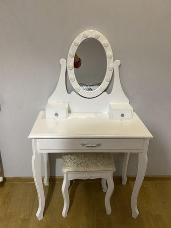 Toaletka biała vintage led