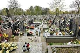 Plac na cmentarzu Łódź-Doły.