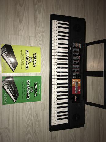 Sprzedam keyboard Yamaha PSR F51 + książki