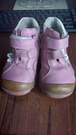 Шкіряні черевики 25-розміру