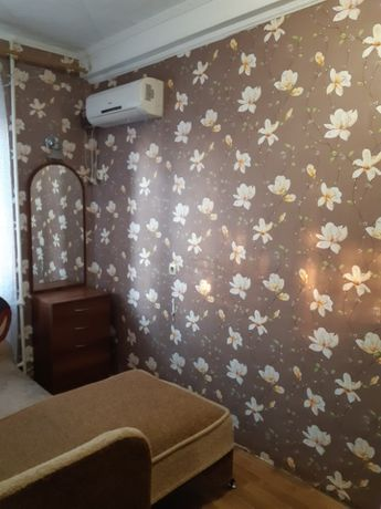 Продам 14 кв.м. комнату в коммуне на Черемушках по улице Космонавтов