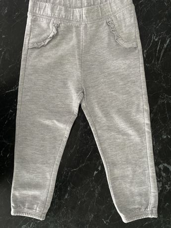 C&A,rozmiar 98,spodnie ocieplane,dresy