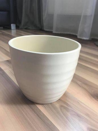Osłonka na doniczkę / doniczka kremowa średnica 15,5 cm jak nowa