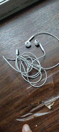 Оригинальные наушники Apple EarPods Lightning с пультом