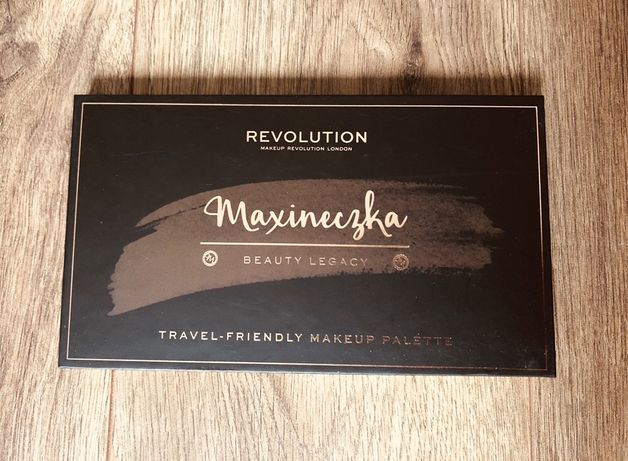 Makeup Revolution x Maxineczka Beauty Legancy Palette