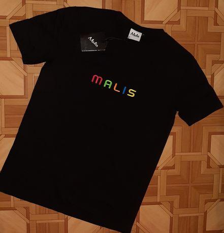 Базовая чёрная футболка с большим логотипом malis .
