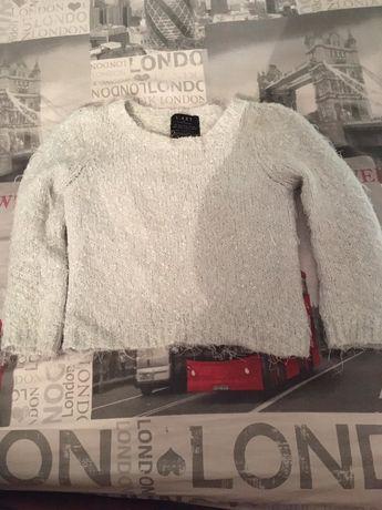 Белый свитер в идеальном состоянии