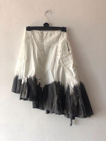 Biało szara asymetryczna spódnica